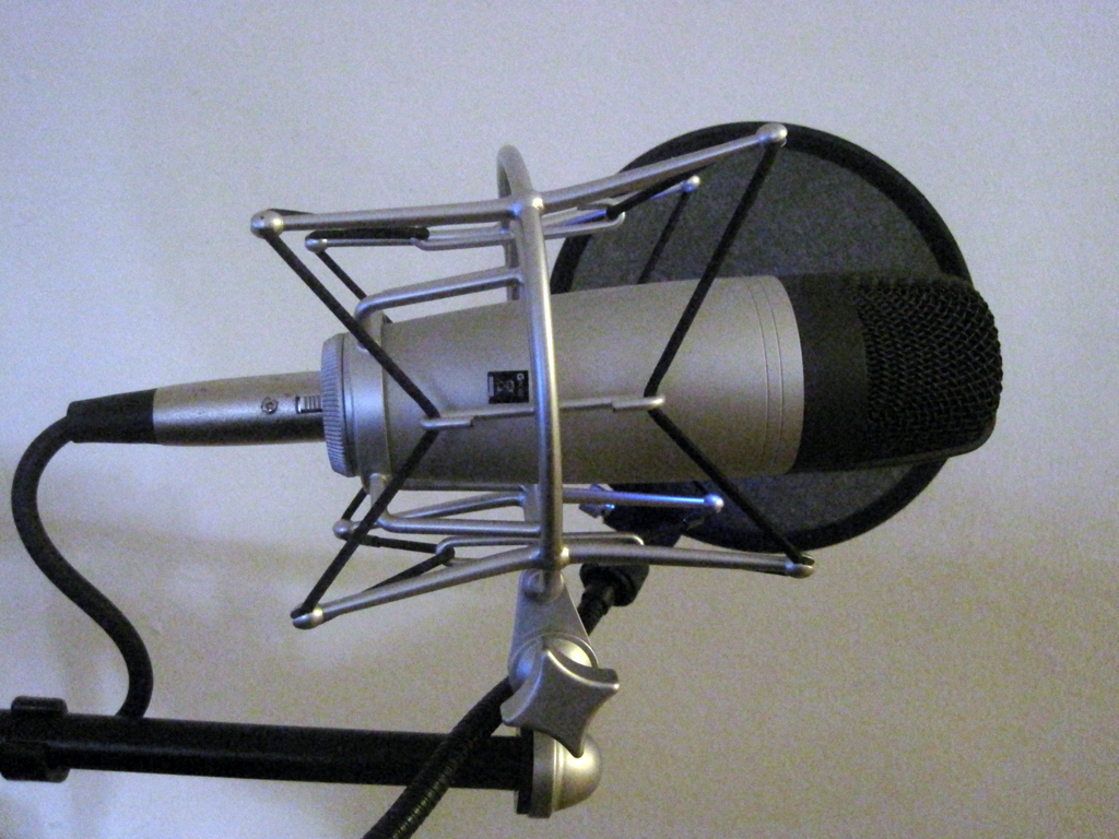 Picture of condenser podcasting microphone, Samson C01